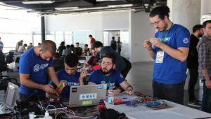 IZTECH RoboLeague'de Projeler Yarıştı