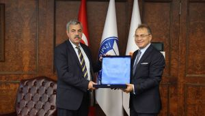 Macar İş İnsanları İZTO'da Önemli İş Görüşmeleri Yaptı