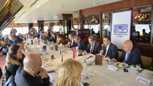 EMD Üyeleri Ekonomi Gazeteciliğinin Duayenleri İle Bir Araya Geldi