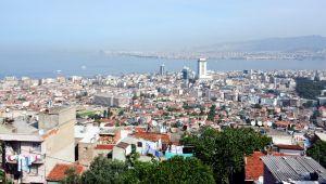 İzmir'de Eğitim Alanının Konut Alanına Çevrilmesi Tartışma Yarattı