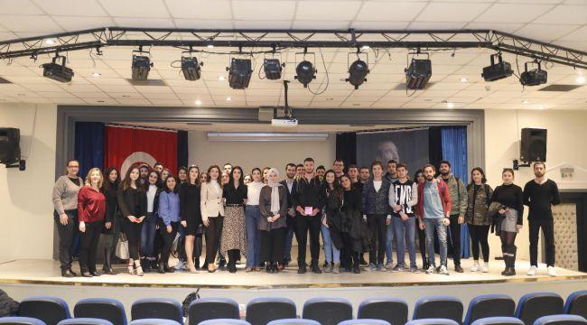 İzmirli Öğrencilere Kariyer Fırsatı