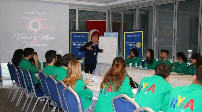 Rotary'den İçindeki Lideri Keşfet Eğitimi