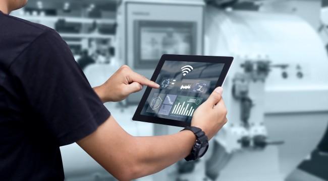 Fabrikalarda Kesintisiz Haberleşme Sağlayan Teknoloji