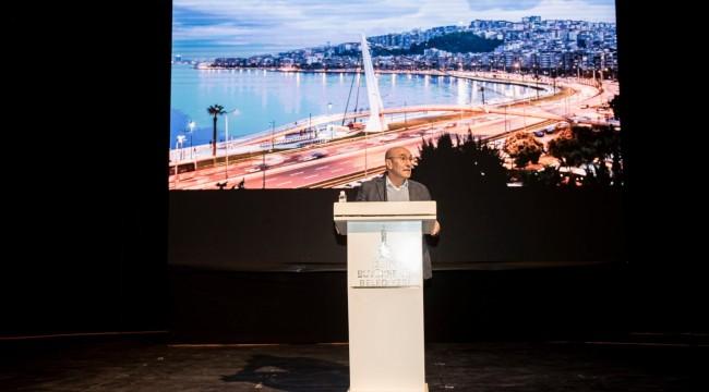 İzmir'in Hem Fikirsel Hem De Mekânsal Dönüşüme İhtiyacı Var
