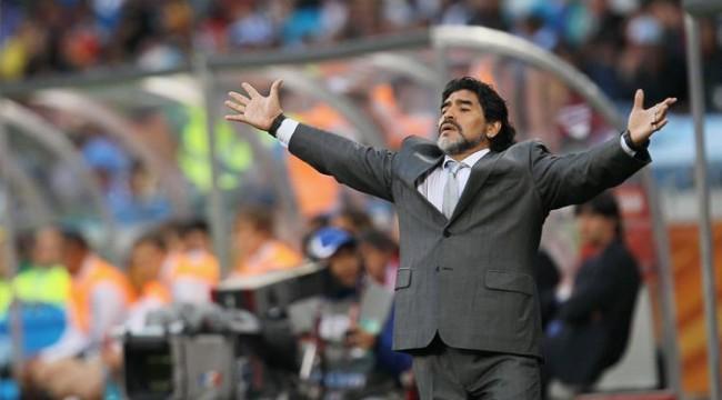 Maradona'nın Kariyeri, Aile Şirketlerine İlham Vermeli