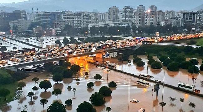 İzmir'in Yüzde 89'unda Yağmursuyu Ayrıştırma Hattı Yok