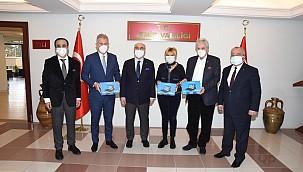 İzmir İş Dünyasından Öğrencilere Tablet Desteği