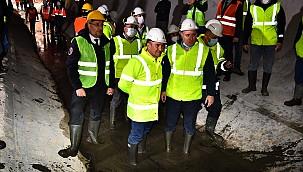 İzmir'de Yeni Metro Hattının İlk Tüneli Tamamlandı