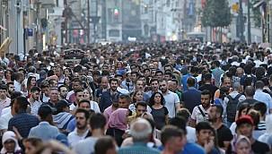 Türkiye'de yaşlı nüfus yükseldi