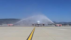 Bodrum sezonun ilk dış hat uçuşunu karşıladı