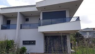 Çeşme Şifne'de denize yakın yıllık kiralık 5+1 sıfır villa