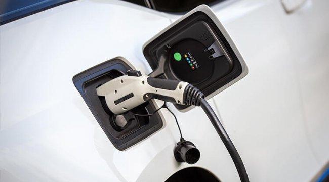 Elektrikli araçlar 120 milyar dolarlık satışla rekor kırdı